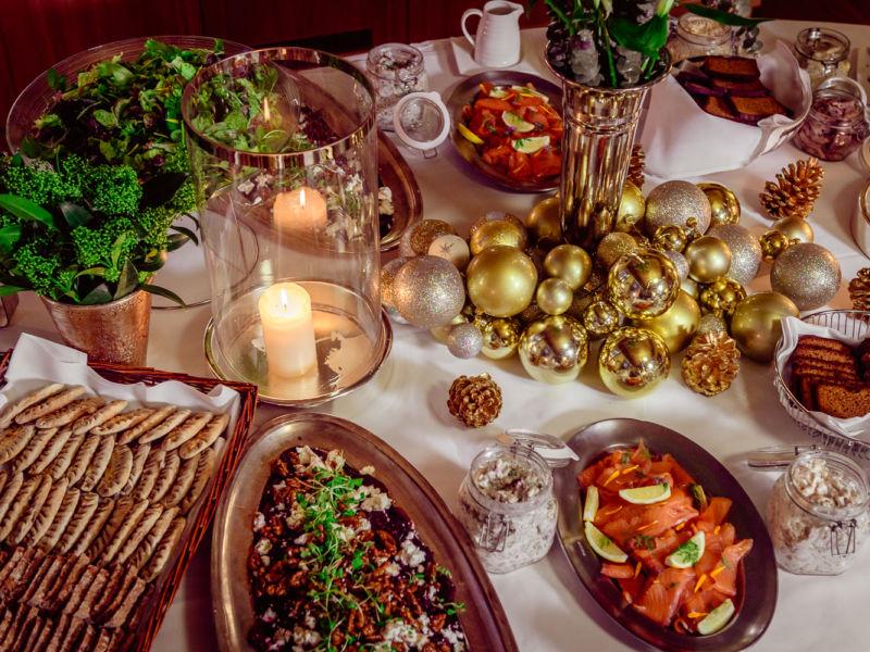 Joululounas Kämp Collection Hotelsien ravintoloissa